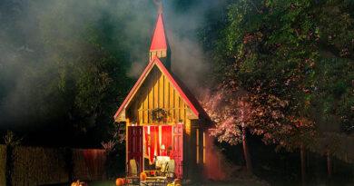 Получите ключи от Врат ада с этим объявлением на Хэллоуин на Airbnb