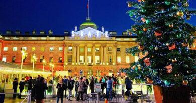 Англия сокращает время карантина, чтобы увеличить количество рождественских поездок