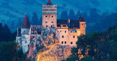 Замок Дракулы — самое необычное место вакцинации?